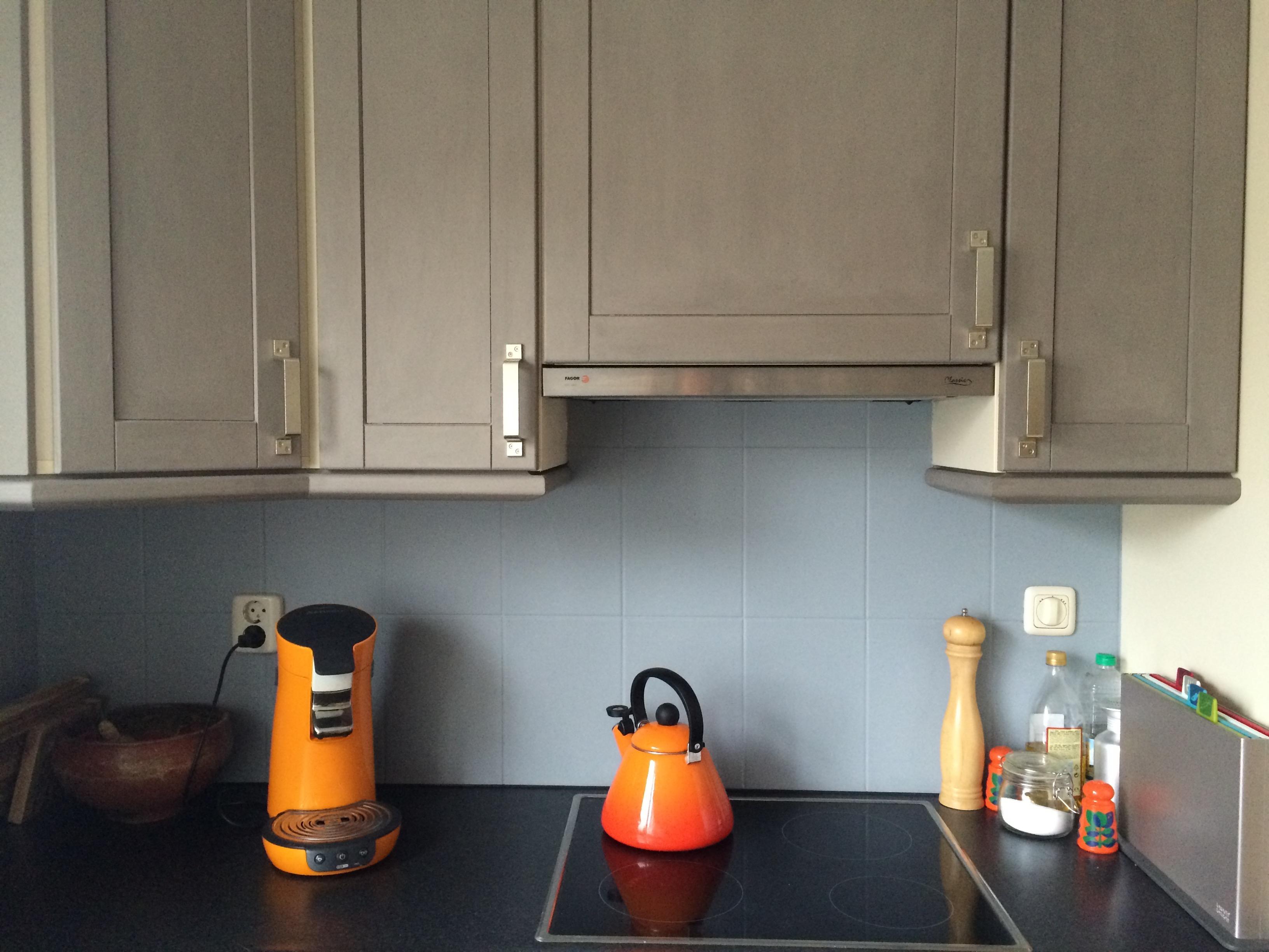 Keuken Tegels Verven : Low budget sort off keuken renovatie deel kastjes schilderen