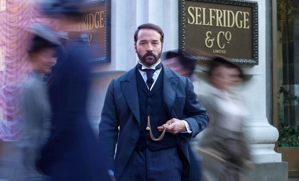 mr-selfridge-02_gq_3jan13_b_1445x878